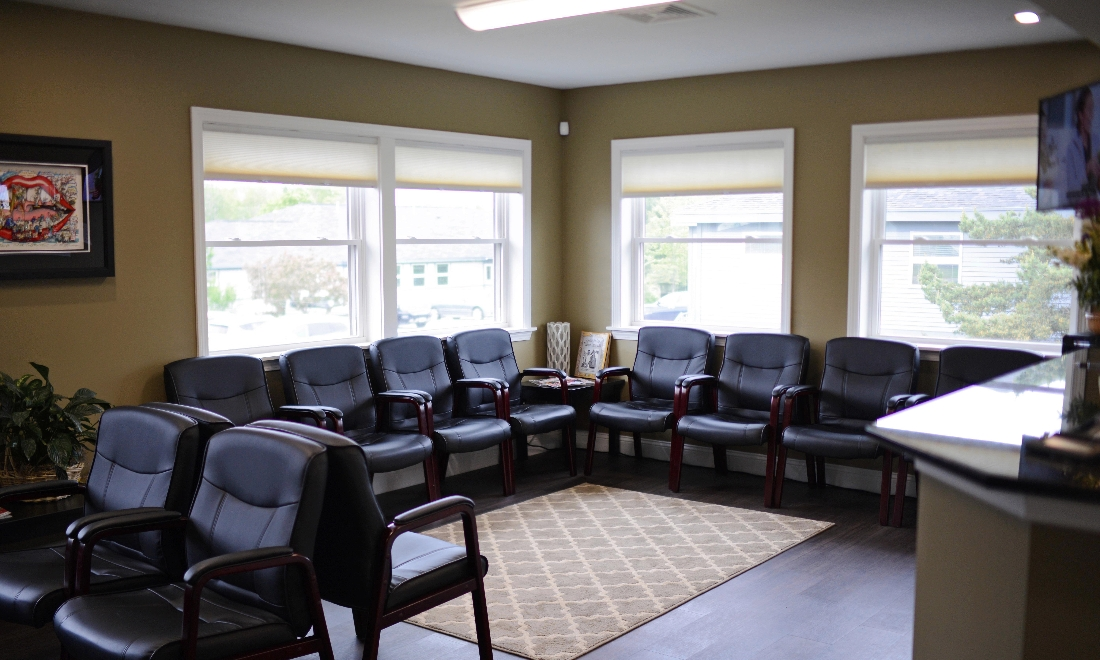 Patient waiting area at 04401 dentist office | Bangor ME Dentist